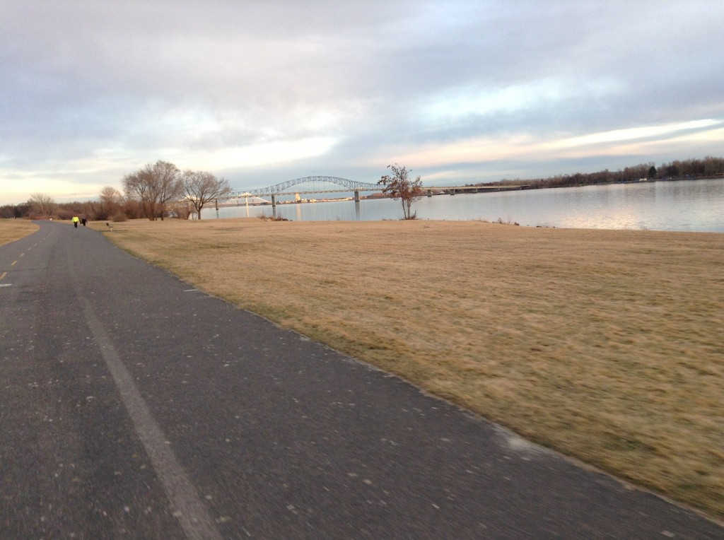 Trail through Wade Park in Pasco with the Blue Bridge across the Columbia River