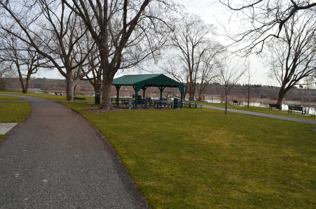 Picnic Shelter at Leslie Groves Park